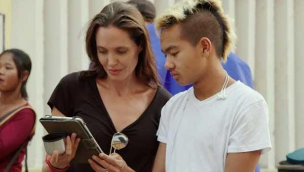 Angelina Jolie on Cambodia 'awakening'