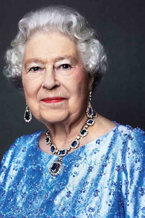 Queen in sapphire for 65 years on throne