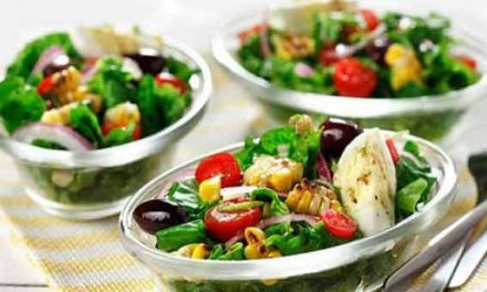 Healthy grilled corn and tomato salad
