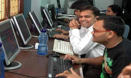 Sensex rallies 500 points, Nifty at 9,087