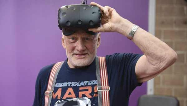 Buzz Aldrin takes you to Mars in VR