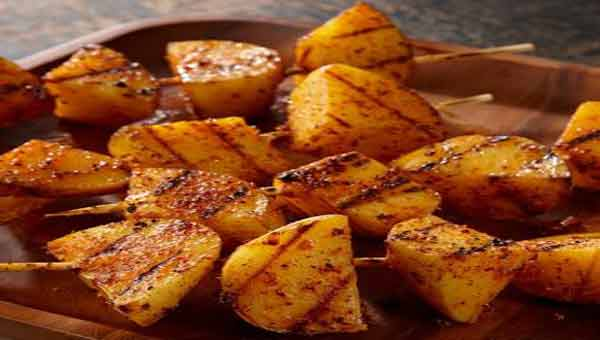 Grilled potato, a delicious vegetarian kebabs