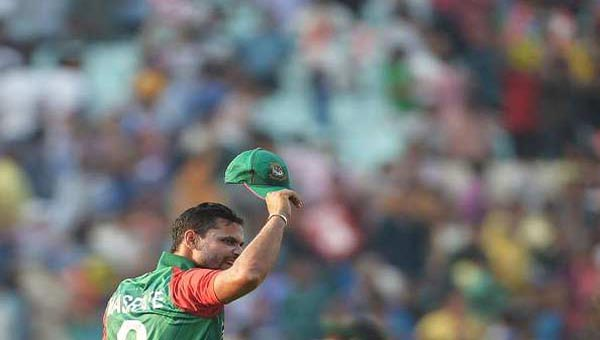 Bangladesh's captain Mortaza wants batsmen to emulate 'big teams'