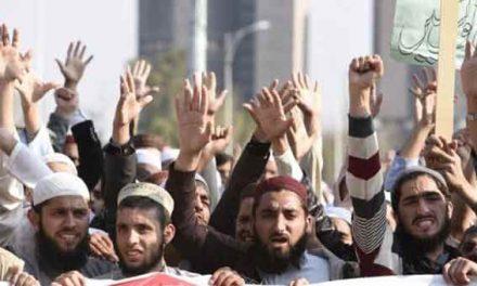 Pakistan asks Facebook to help fight blasphemy
