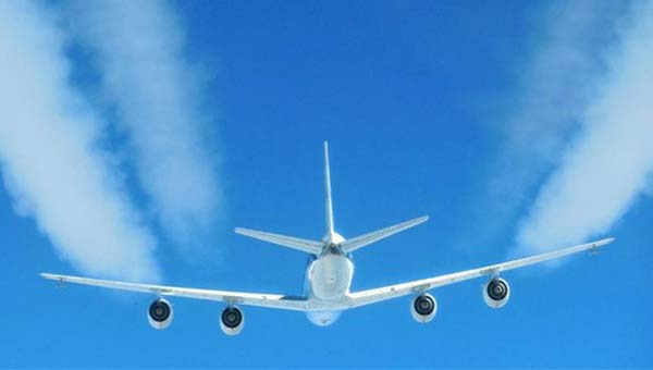 Climate change: Biofuels 'could limit jet contrails'