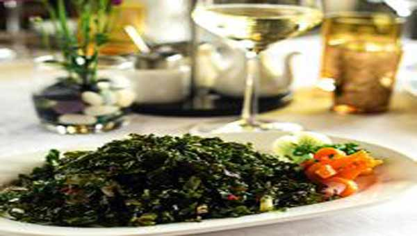Healthy crispy spinach dish