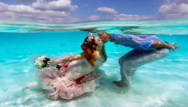 A couple holds a mermaid wedding!