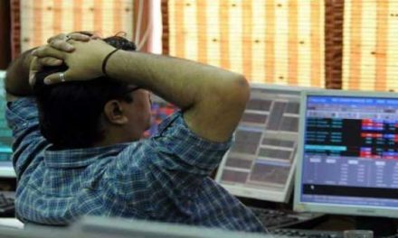 Indian Sensex falls 130 points; ITC, ICICI Bank top losers