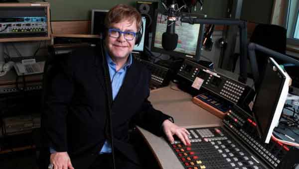 Elton John says vinyl 'just sounds better'