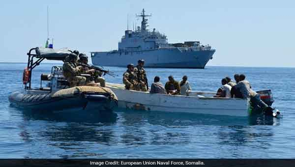 Somali pirates 'seize India cargo ship'