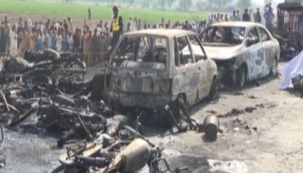 140 burnt to death as oil tanker catches fire in Pakistan