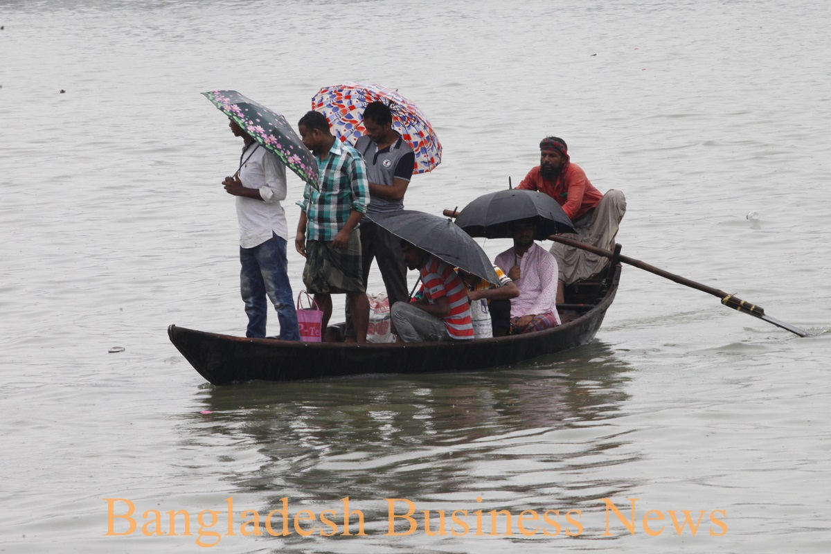 Buriganga travel by boat