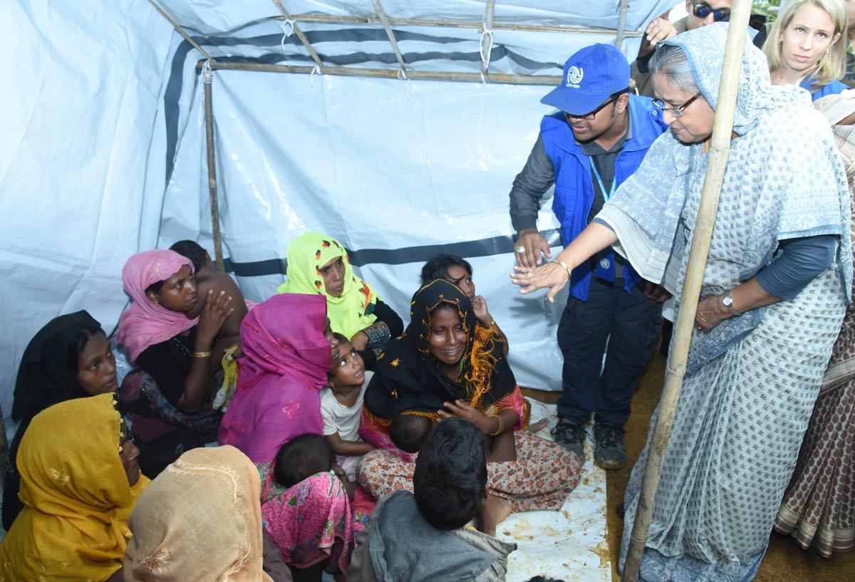 Hasina-visits-Rohingyas