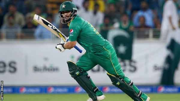 Pak batsman Khalid Latif banned for spot-fixing