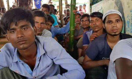 Half a million Rohingyas flee to Bangladesh