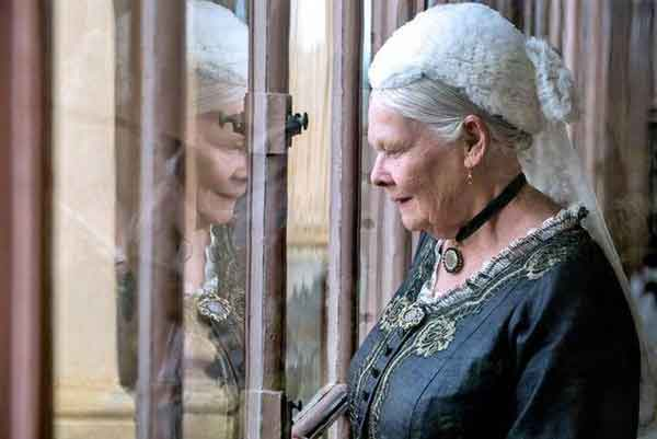 'Victoria & Abdul' Review: More political than human