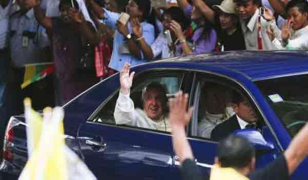 Pope begins key Bangladesh visit