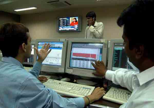 Indian Sensex tanks 453 points on fiscal deficit woes, F&O expiry