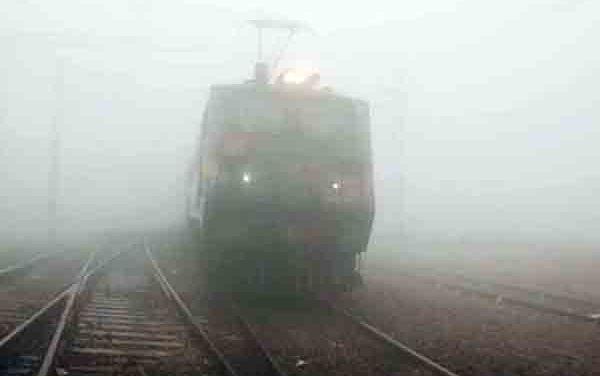 Mercury drops to 7.6 degrees Celsius in Delhi