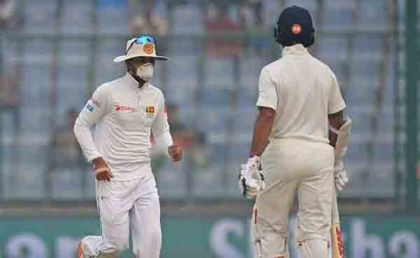 Doctors say no to sport in Delhi as cricketers choke in smog